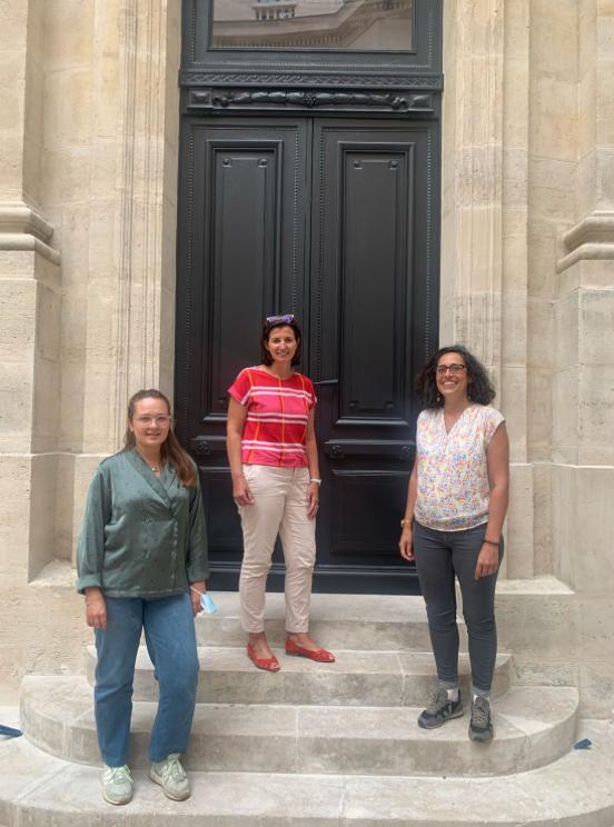 L'équipe : de gauche à droite Manon, Florence, et Félicie.